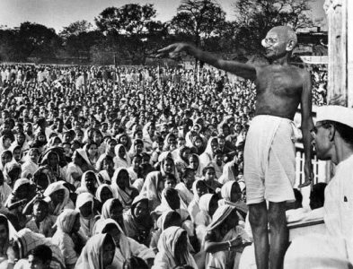 Gandhiji Addressing a rally of peasants. After Champaran, he successfully carried out many satyagraha