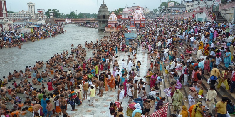 Pollution in Ganges River and its causes.