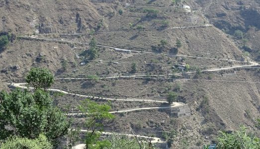 The road route of Badrinath contains many Hairpin bend so riders must have extreme concentration.