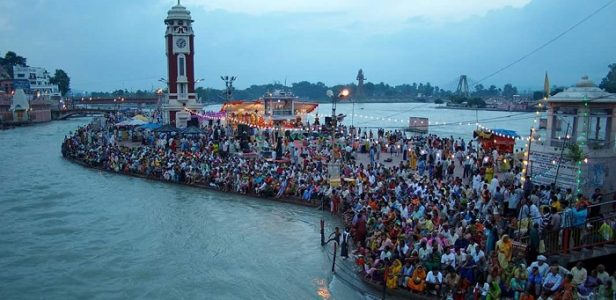 Ganga Aarti performed on the Banks of River Ganges in Rishikesh