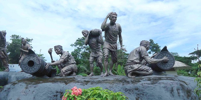 Sculpture dipicting Ahom people participating in the war against Mughal Army